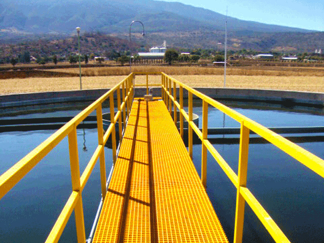Fiber Glass Reinforced Plastic Yellow Molded Grating and Handrail in Wastewater Treatment Facility